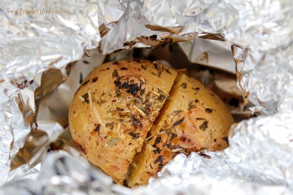 Gebackene_Kartoffel_und_Rote_Bete_aus_dem_Ofen_3