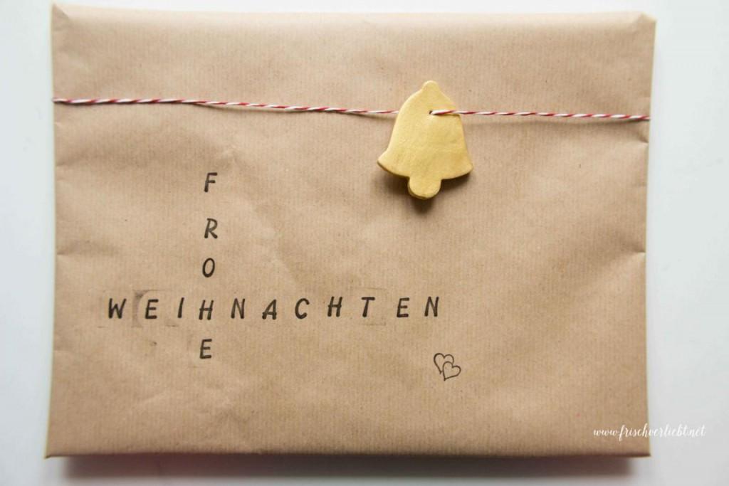 Weihnachtsgeschenke_einpacken_Frisch_Verliebt_10