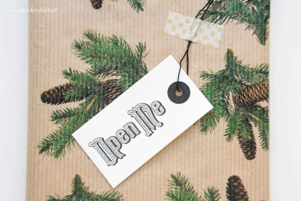 Weihnachtsgeschenke_einpacken_Frisch_Verliebt_12