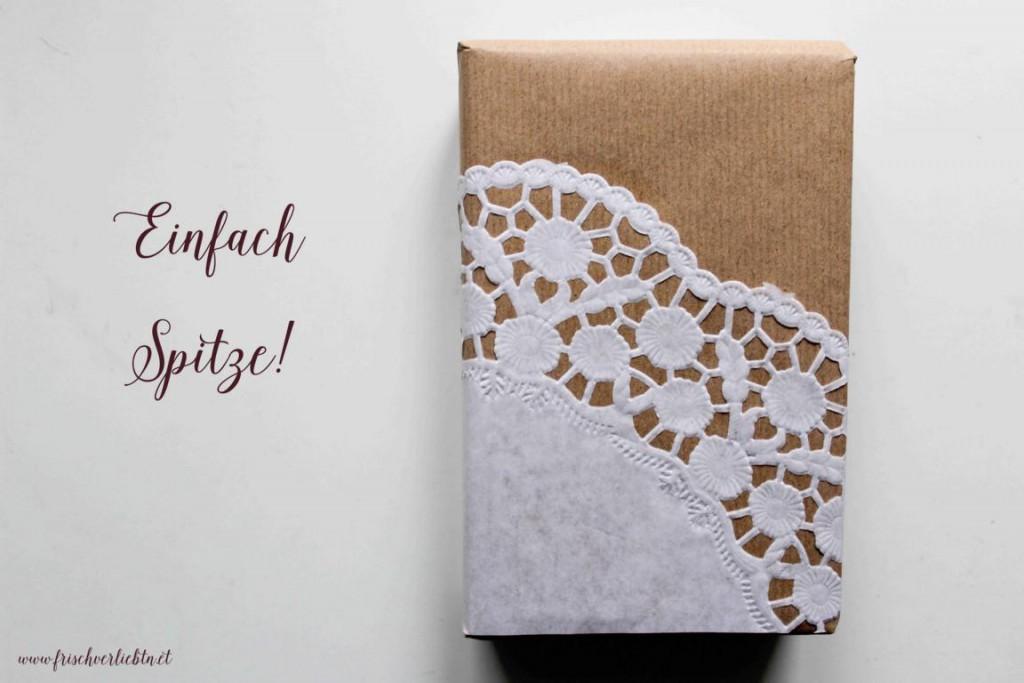 Weihnachtsgeschenke_einpacken_Frisch_Verliebt_3