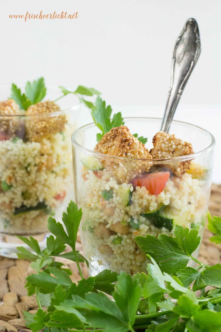 couscous salat mit paniertem sesam feta frisch verliebt mein blog f r food und lifestyle. Black Bedroom Furniture Sets. Home Design Ideas