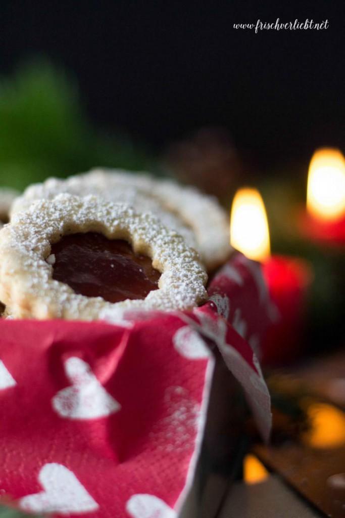 Weihnachten_gefüllte_Linzer_Plätzchen_Frisch_Verliebt_2