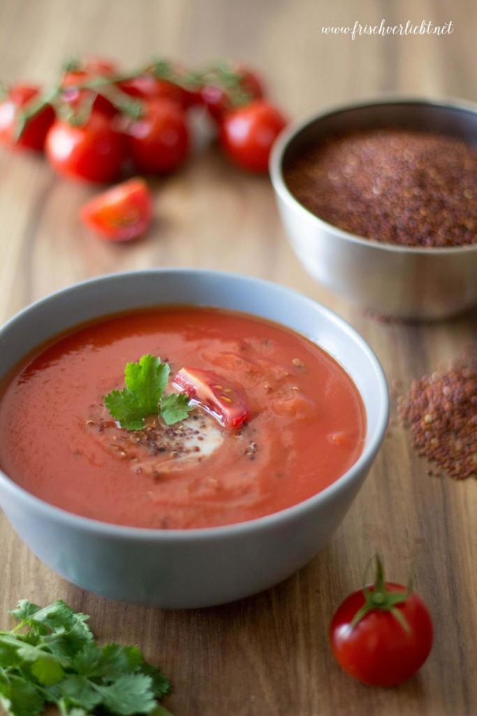 Tomatensuppe_mit_Quinoa_Frisch_Verliebt_2