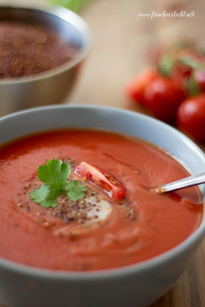 Tomatensuppe_mit_Quinoa_Frisch_Verliebt_4