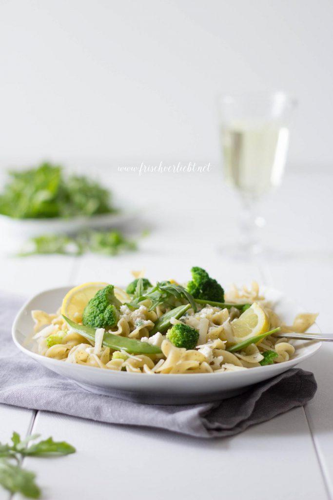 Vegetarische_Pasta_mit_Brokkoli_Parmesan_Sauce_Frisch_Verliebt_2