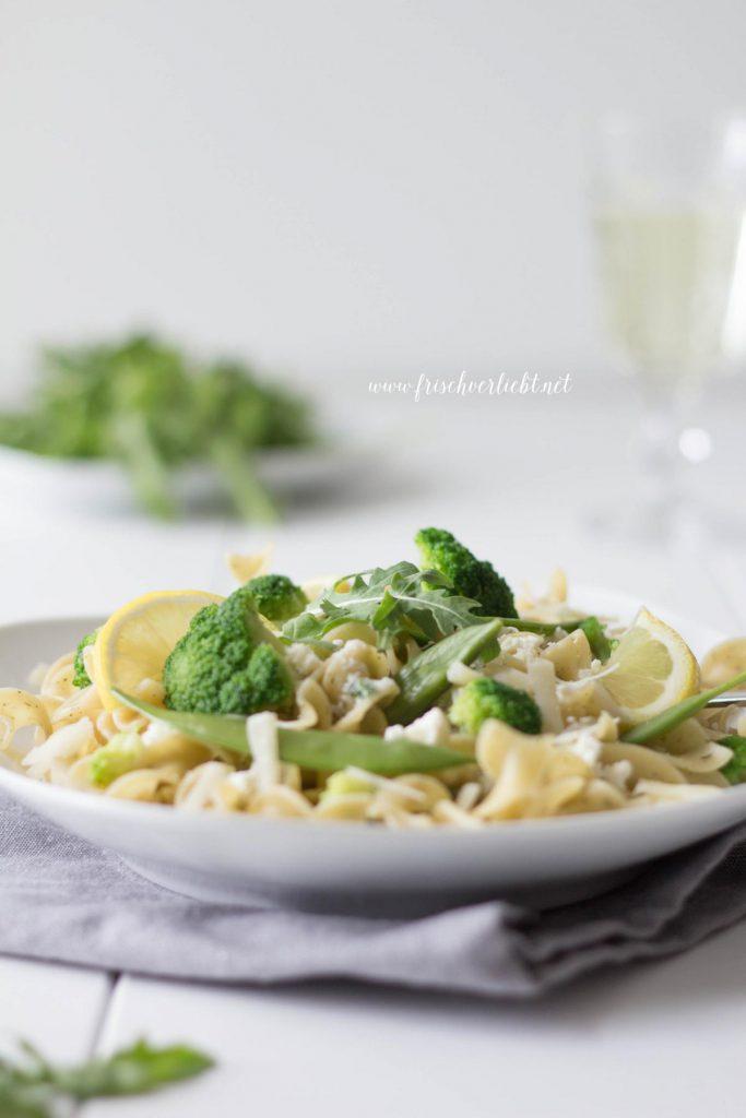 Vegetarische_Pasta_mit_Brokkoli_Parmesan_Sauce_Frisch_Verliebt_4