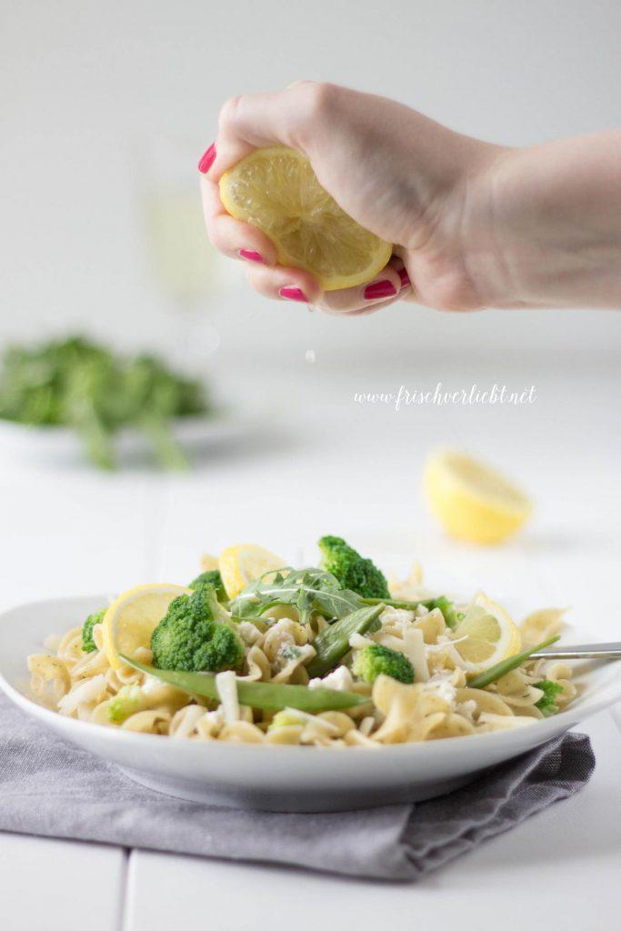 Vegetarische_Pasta_mit_Brokkoli_Parmesan_Sauce_Frisch_Verliebt_5