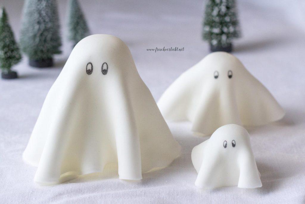 Gespenster_aus_Fondant_Halloween_Frisch_Verliebt