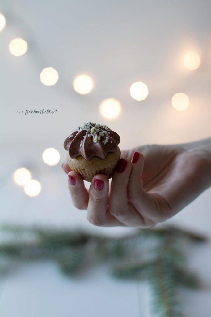 lebkuchen-cupcakes_mit_schokoladencreme_frisch_verliebt_5