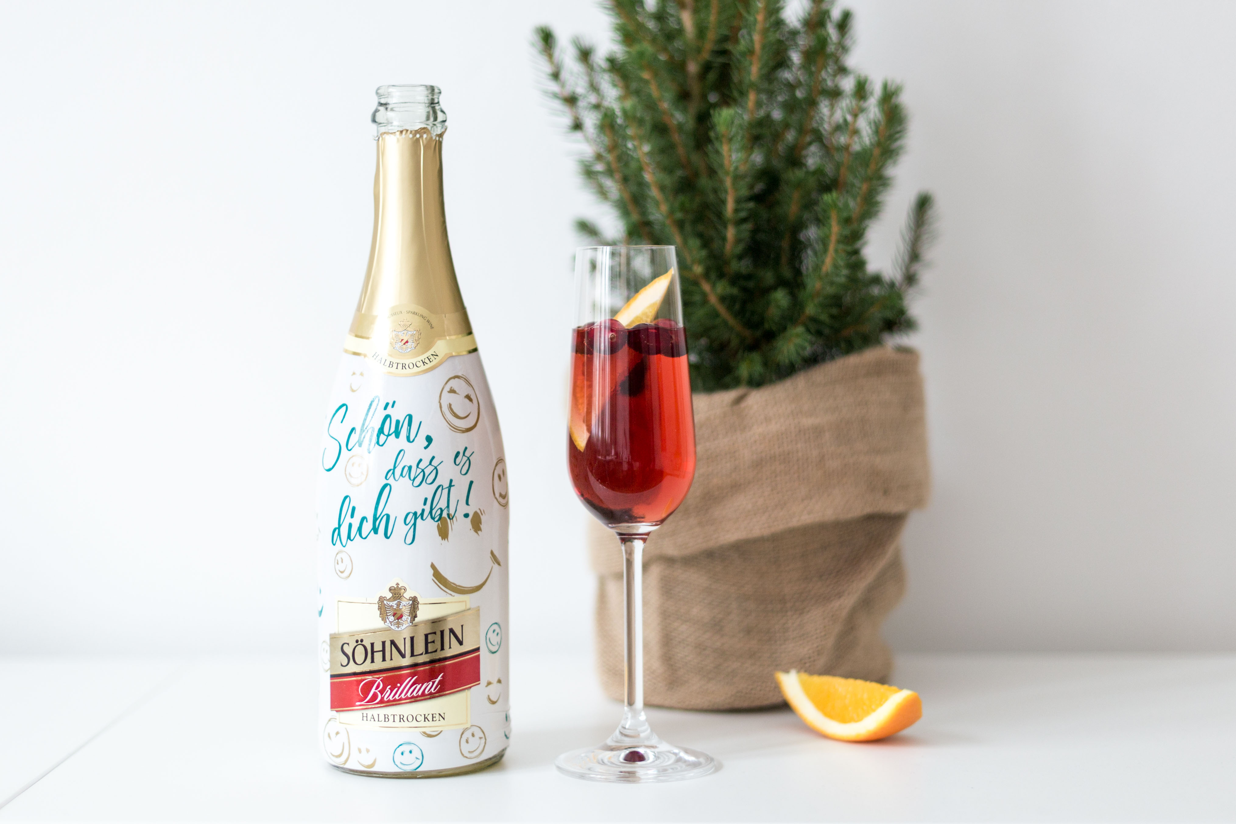 drink mit sekt orange und cranberry frisch verliebt blog aus berlin. Black Bedroom Furniture Sets. Home Design Ideas